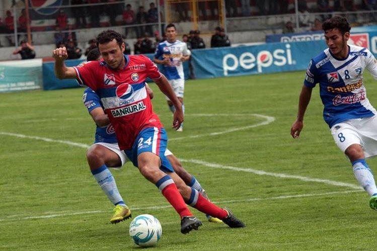 Xelajú MC no se despega de la cima del Torneo Apertura 2015. (Foto Prensa Libre: Carlos Ventura)