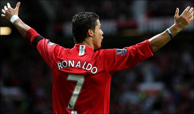El posible retorno de Cristiano al Mánchester United ha sido fuertemente criticado. (Foto Prensa Libre: Hemeroteca PL)