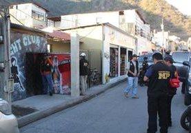 Las autoridades de Sololá ven con preocupación el aumento de cosos de trata de personas que ocurre por lo general en bares o cantinas. (Foto Prensa Libre: Ángel Julajuj)