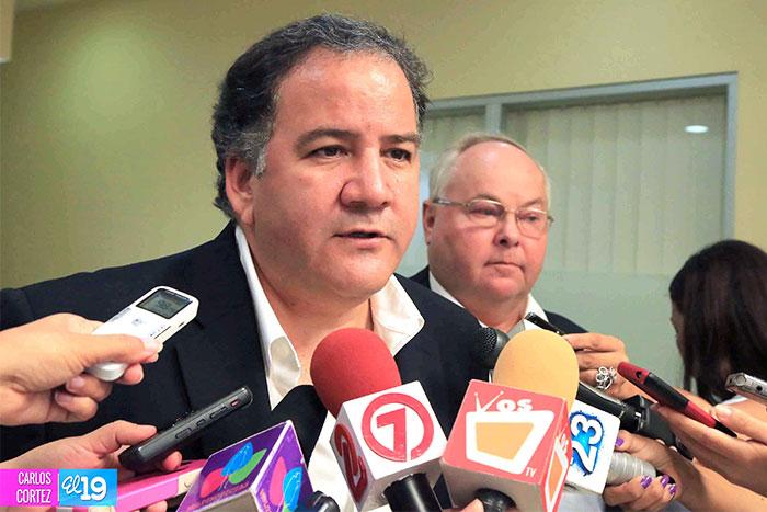 El director regional para América Latina del PMA, el peruano Miguel Barreto en conferencia de prensa.