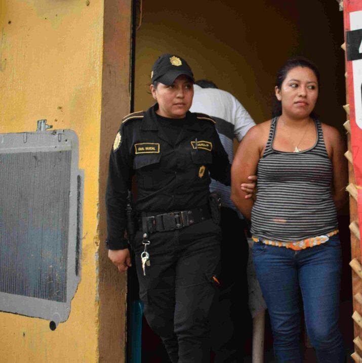 Marta Lidia Ramírez Súchite de 22 años fue capturada en Mayuelas, Gualán, Zacapa. (Foto Prensa Libre: PNC)