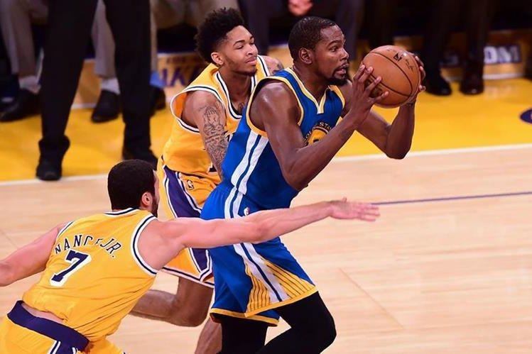 Kevin Duran será baja importante para el equipo Golden State. (Foto Prensa Libre: AFP)