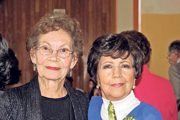 <p>Una de las últimas apariciones públicas de Azurdia fue el 4 de noviembre: en su 80 cumpleaños. Junto a ella, la actriz María Teresa Martínez.</p>