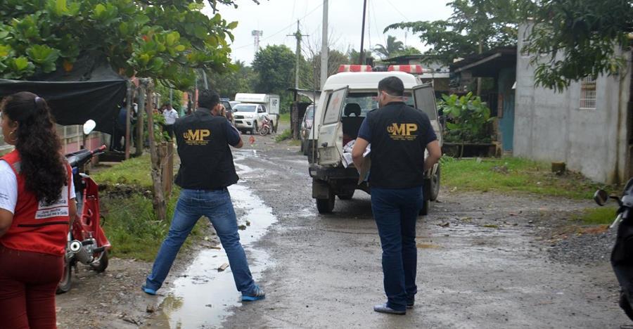 Lugar donde se registró el doble crimen, en Puerto Barrios, Izabal. (Foto Prensa Libre: Dony Stewart).