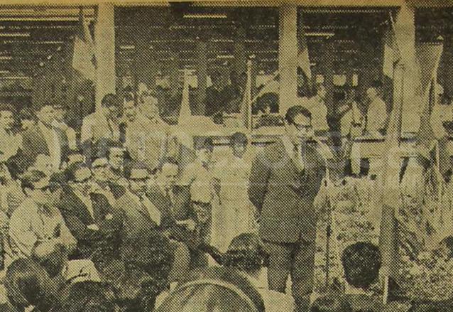 El alcalde metropolitano, Manuel Colom Argueta durante la inauguración del Mercado de Flores, zona 3. (Foto: Hemeroteca PL)