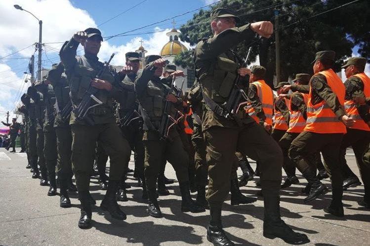 La celebración del Día del Ejército se centrará en Quetzaltenango y Zacapa. (Foto Prensa Libre: Oscar Felipe)