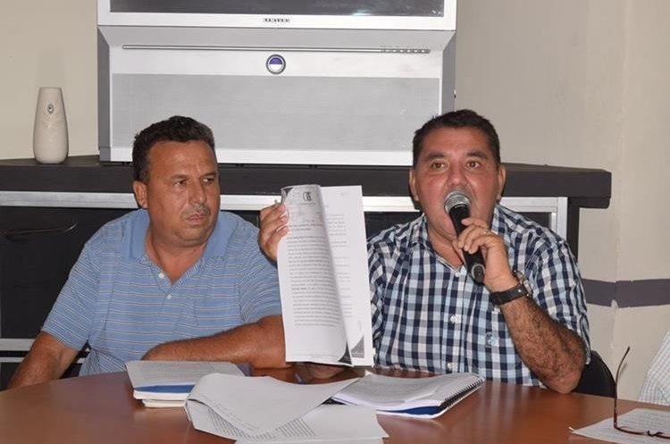 Un faltante de más de Q5 millones encontraron los pobladores en una auditoría. (Foto Prensa Libre: Mario Morales)