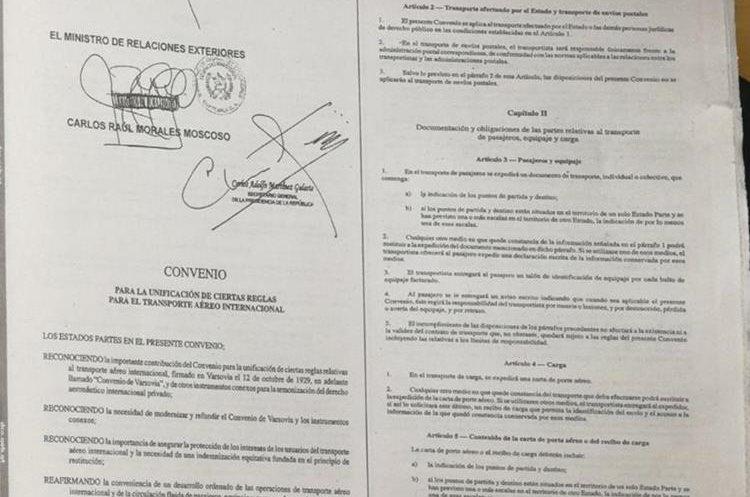 Parte del documento publicado en el Diario de Centro América donde el país ratifica Convenio de Varsovia. (Foto Prensa Libre: N. Gándara)