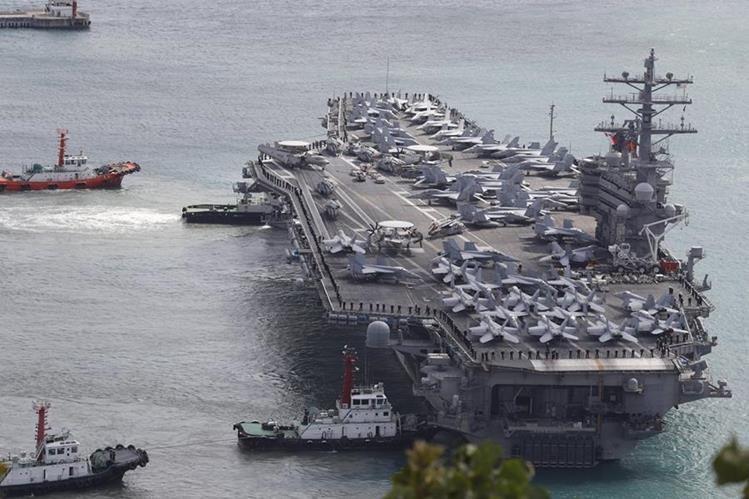 El portaviones estadounidense USS Ronald Reagan arriba a costas de Corea del Sur tras efectuar ejercicios militares. (Foto Prensa Libre: EFE)