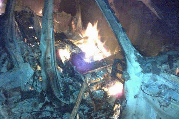 """<p>Dos vehículos agrícolas fueron quemados en San Pedro Necta, con resultado de siete muertos. (FOTO PRENSA LIBRE)<br _mce_bogus=""""1""""></p>"""