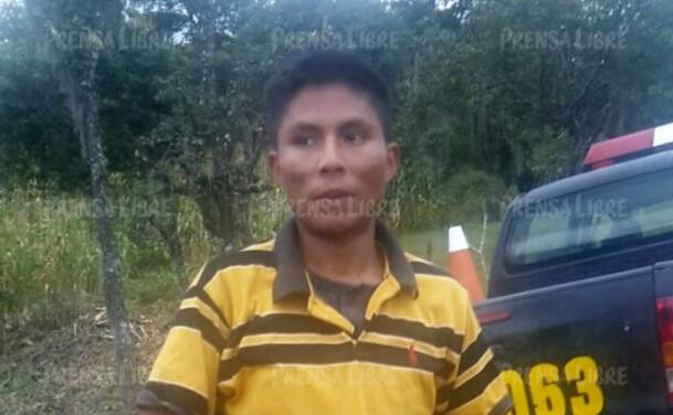 Sebastián Tercé Pol es sindicado de haber dado muerte a su madre, a quien atacó con machete en el caserío San Isidro, Joyabaj, Quiché. (Foto Prensa Libre: Óscar Figueroa)