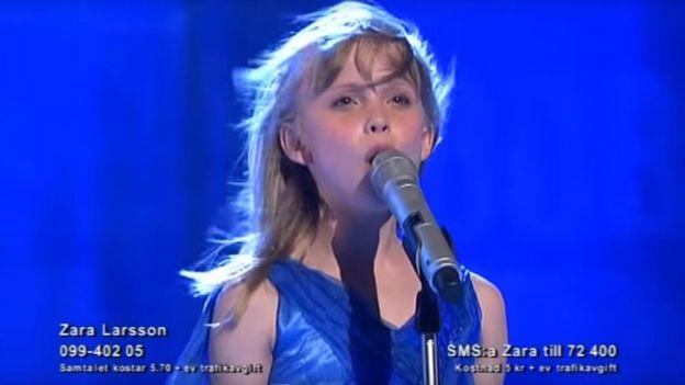 """Una joven Zara Larsson en """"Talang Sverige"""". (TV4)"""