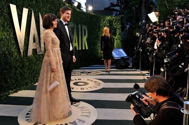 La fiesta de Vanity Fair también se convierte en una pasarela de modas. (Foto Prensa Libre: Vanity Fair)