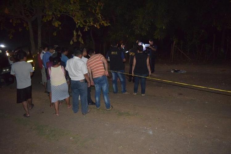 Lugar donde murió baleado Marvin de Jesús de León, en Escuintla. (Foto Prensa Libre: Enrique Paredes).