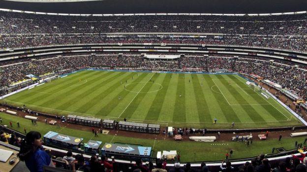 Las remodelaciones del Estadio Azteca en 2016 redujeron su capacidad, de más de 100.000 asientos que tenía cuando fue inaugurado, a 87.000. (GETTY IMAGES)