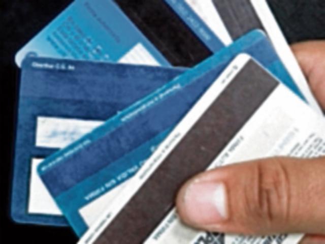 Las tarjetas de crédito pueden ser una carga pesada si no se saben utilizar.