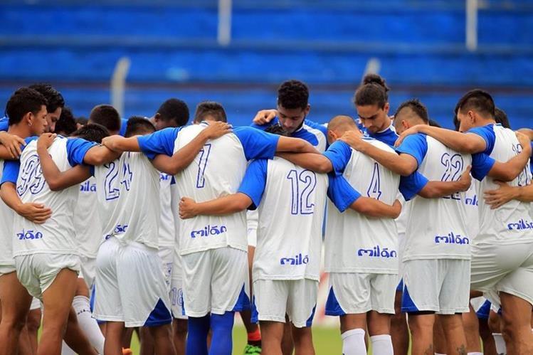 Los jugadores de Suchitepéquez sueñan con darle una alegría a su gente. (Foto Prensa Libre: Carlos Vicente)