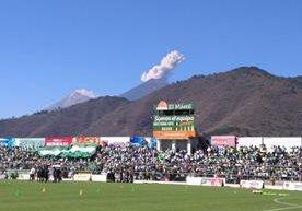 Los aficionados de Antigua GFC llenaron de alegría el estadio para la final frente a Municipal