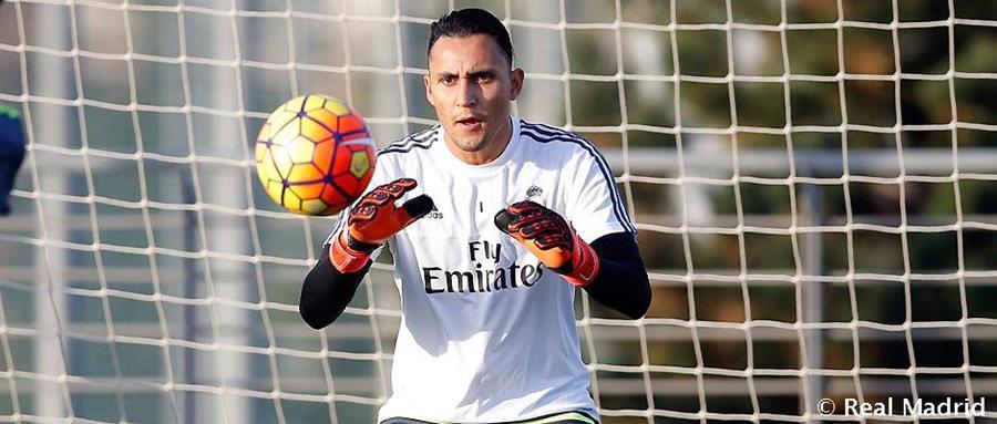 Keylor Navas durante el entrenamiento de este miércoles en la ciudad Deportiva de Valdebebas. (Foto Prensa Libre: realmadrid.com)