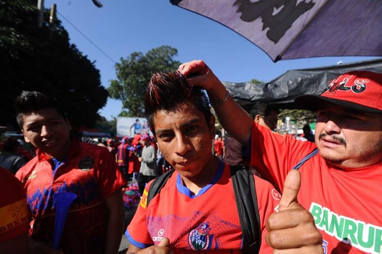 La afición roja llegará este sábado al Doroteo Guamuch Flores para apoyar a su equipo en busca del pase a la final. (Foto Prensa Libre: Francisco Sánchez)