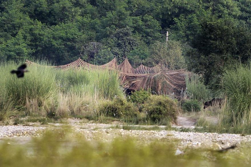 El Ejército hindú vigila las zonas fronterizas con Pakistán. (Foto Prensa Libre: AP).