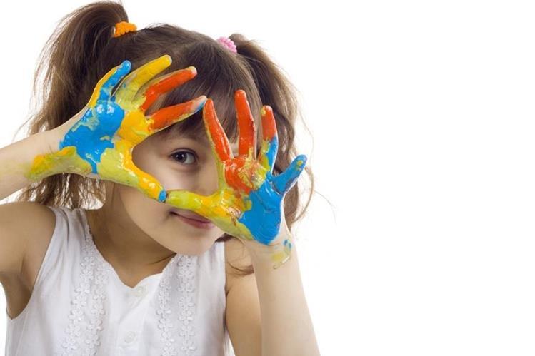 A través de la creatividad el niño involucra todo su ser, ya que es la manera en la que se va a identificar con el entorno.