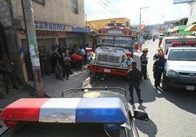 Piloto y ayudante de Rutas Quetzal muere y un pasajero queda herido en ataque armado. (Foto Érick Ávila)