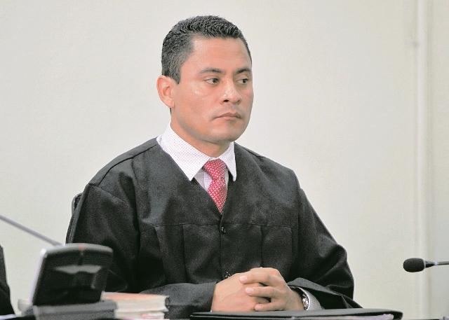 Juez Carlos Ruano regresó a su labor en Tribunales. (Foto Prensa Libre: Hemeroteca PL)