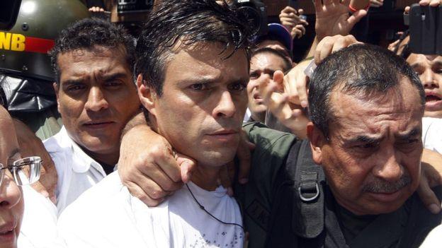Leopoldo López, líder opositor, fue detenido por las protestas del 2014. (GETTY IMAGES).
