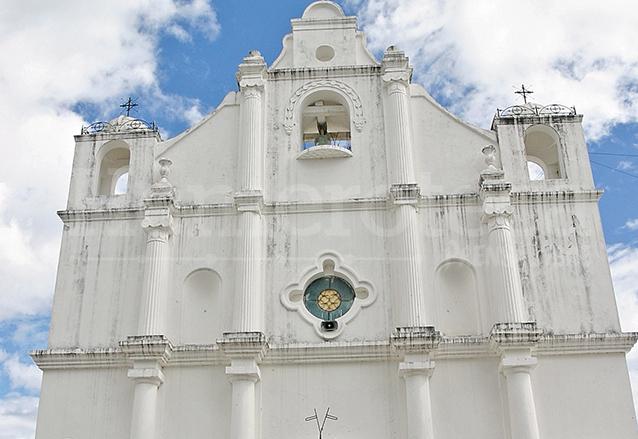 En la Iglesia de Jutiapa se mezclan varios elementos arquitectónicos. (Foto: Hemeroteca PL)