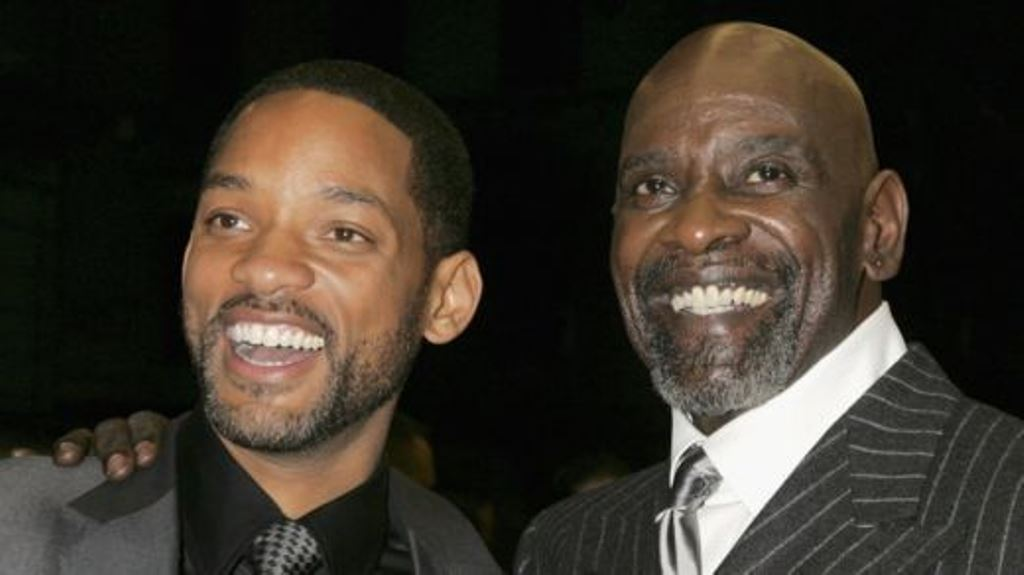 Chris Gardner con Will Smith, quien lo interpretó en la pantalla gigante. GETTY IMAGES