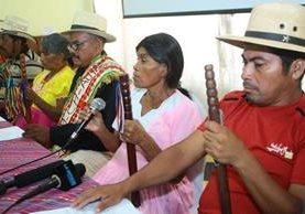 Autoridades ancestrales de Jocotán informan sobre el fallo que le favorece. (Foto Prensa Libre: Álvaro Interiano).