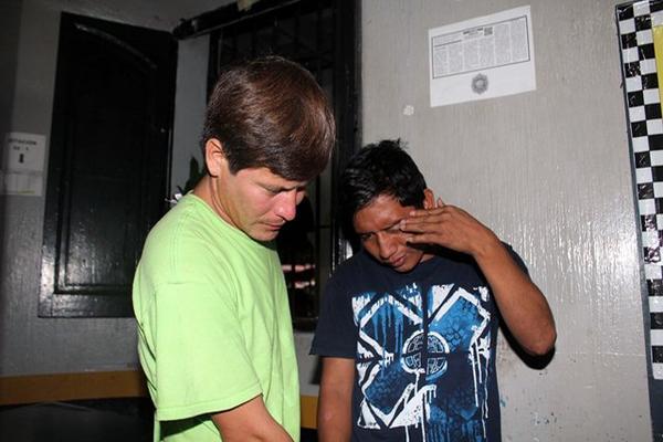 """<p>Los dos hombres permanecen presos en la comisaría departamental. (Foto Prensa Libre: Rolando Miranda)<br _mce_bogus=""""1""""></p>"""