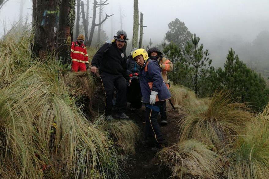 Seis excursionistas presentaron complicaciones por la baja temperatura. (Foto Prensa Libre: Miguel López)