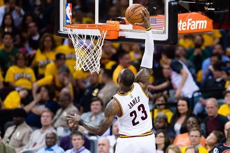 Raptors ganan serie a Bucks y avanzan en playoffs de la NBA