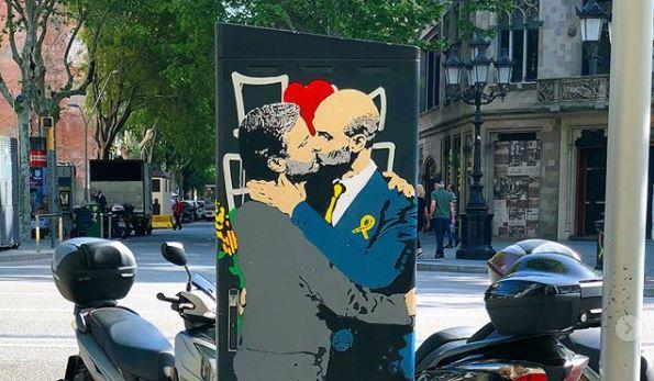 El 'beso' entre Mourinho y Guardiola que llama la atención en Europa