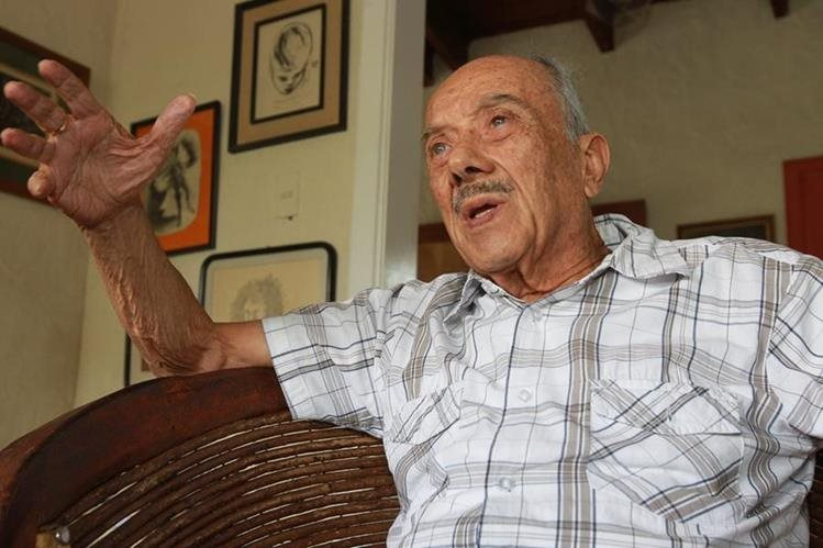 Jorge Mario García Laguardia, ex procurador de Derechos Humanos en Guatemala , en entrevista con Prensa Libre comenta acerca de diferentes temas. (Foto Prensa Libre: Estuardo Paredes)