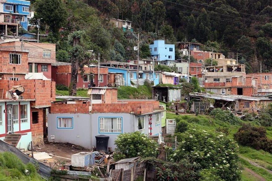 Vista general del barrio Bosque Calderón, donde vivía la niña de 7 años Yuliana Andrea Samboni Muñoz. (Foto Prensa Libre: EFE).