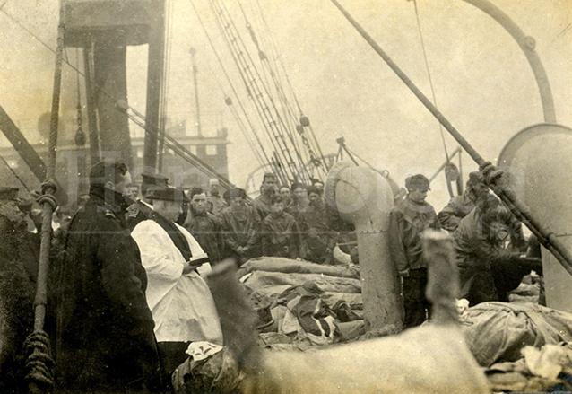 Rescate de los cuerpos de las víctimas del hundimiento del Titanic en 1912. (Foto: Hemeroteca PL)