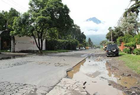 Construcción de la primera fase de alcantarillado de Antigua solo avanzó parcialmente y no se sabe cuándo será retomada.