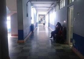 Hospital Regional de Zacapa, donde se reportan empleados con síntomas del virus del zika. (Foto Prensa Libre: Víctor Gómez)