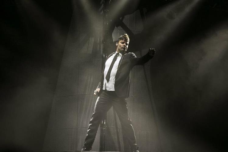 Ricky Martin acaparó toda la atención de su público con su show. (Foto Prensa Libre: EFE)