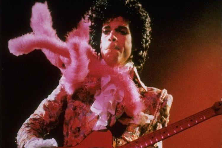 Este viernes se conmemora el primer aniversario luctuoso de Prince. (Foto Prensa Libre: AP)