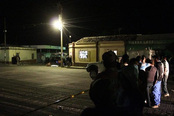 <p>Lugar donde quedó muerta la madre del exalcalde e San Manuel Chaparrón, Jalapa. (Foto Prensa Libre: Hugo Oliva)</p><p><br></p>