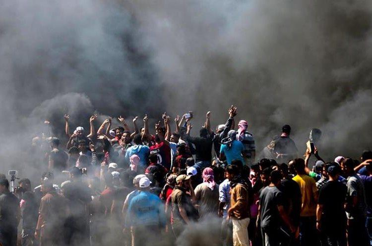 En las protestas han muerto al menos 41 palestinos. (Foto Prensa Libre: AFP)
