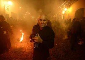 Steve McCurry visitó Guatemala y captó escenas de la Semana Santa. (Foto Prensa Libre: Raúl Touzon)