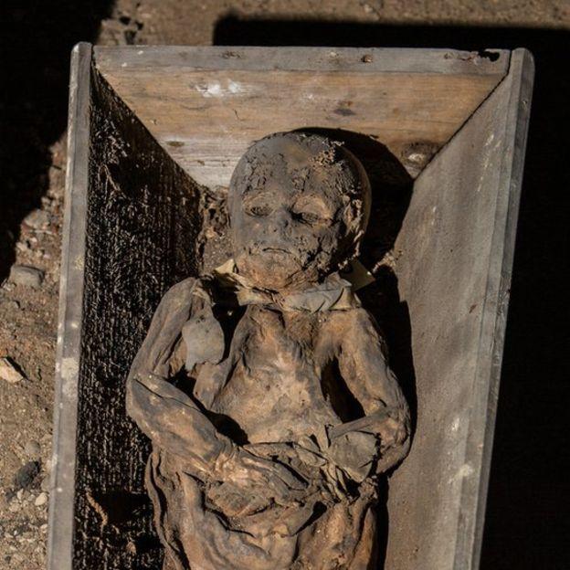 La humedad es el peor enemigo de las momias. KIRIL CACHOVSKI DEL PROYECTO MOMIAS LITUANAS 2015