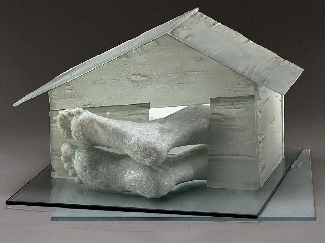 La pieza Home representa  el hogar como una zona de confort, dice Maylor.