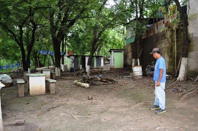 En Zacapa comunidades aledañas al río Grande temen que este se desborde e inunde viviendas. (Foto Prensa Libre: Mario Morales)