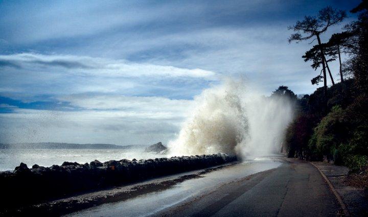 Científicos estudian el aumento del nivel del mar. (EFE).
